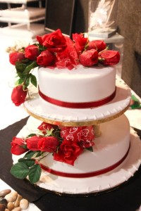 Red rose wedding cake.