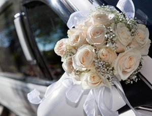 Flower decoration on the wedding car.